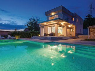 Stunning home in Crikvenica w/ WiFi and 4 Bedrooms