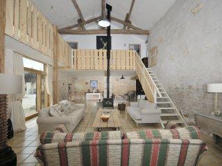 6 bedroom Villa in Pouillé-les-Côteaux, Pays de la Loire, France : ref 5269692