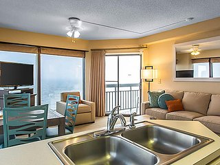 OCEANFRONT 1BR Unit w/ Kitchen at RESORT Pools Hot Tub BBQs by Broadway at Beach