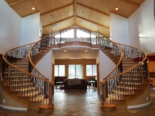 Luxury Mountain Estate   4 bed, 4 ba 13 ppl LOG  Ranch with Hot Tub