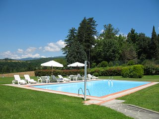6 bedroom Villa in Casole d'Elsa, Tuscany, Italy : ref 5251997