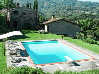 4 bedroom Villa in Vicchio, Tuscany, Italy : ref 5251968