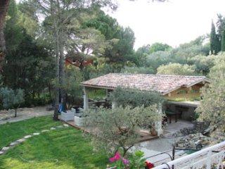 7 bedroom Villa in L'Isle-sur-la-Sorgue, Provence-Alpes-Cote d'Azur, France : re