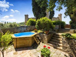 3 bedroom Villa in Montalcino, Tuscany, Italy : ref 5242154