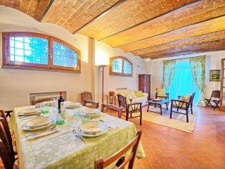 5 bedroom Apartment in Montelupo Fiorentino, Tuscany, Italy : ref 5241917