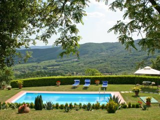 4 bedroom Villa in Civitella in Val di Chiana, Tuscany, Italy : ref 5241929