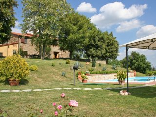 Battifolle Villa Sleeps 9 with Pool Air Con and WiFi - 5241929