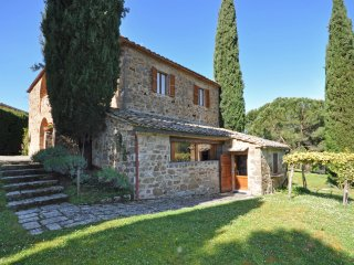 Castelgiocondo Villa Sleeps 7 with Pool Air Con and WiFi - 5241911