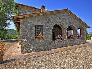 San Pietro Villa Sleeps 12 with Pool and WiFi - 5241820