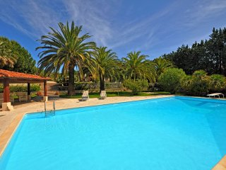 5 bedroom Villa with Pool, WiFi and Walk to Beach & Shops - 5241742