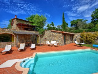 4 bedroom Villa in Gaiole in Chianti, Tuscany, Italy : ref 5241686