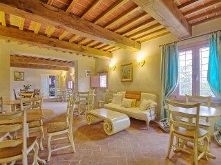7 bedroom Villa in Altopascio, Tuscany, Italy : ref 5241657