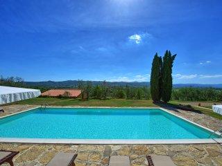 Bucine Villa Sleeps 18 with Pool Air Con and WiFi - 5241503
