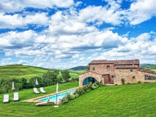 8 bedroom Villa in Pienza, Tuscany, Italy : ref 5241633