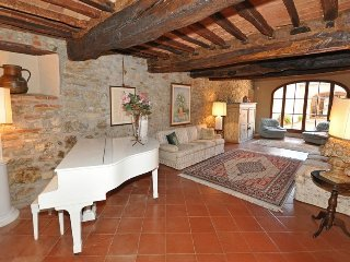 7 bedroom Villa in Montebenichi, Tuscany, Italy : ref 5241683