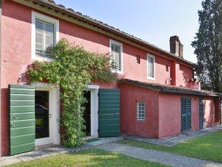 3 bedroom Villa in Mutigliano, Tuscany, Italy : ref 5241160
