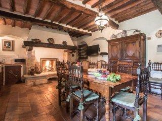 4 bedroom Villa in Monsummano Terme, Tuscany, Italy : ref 5241627