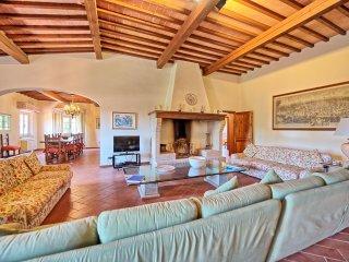 5 bedroom Villa in Vinci, Tuscany, Italy : ref 5241371