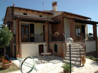 San Gimignano Villa Sleeps 6 with Pool - 5241281