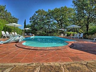 9 bedroom Villa in San Pancrazio, Tuscany, Italy : ref 5241001