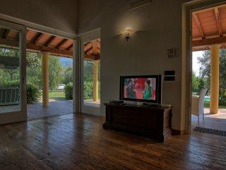 6 bedroom Villa in Pietrasanta, Tuscany, Italy : ref 5241019