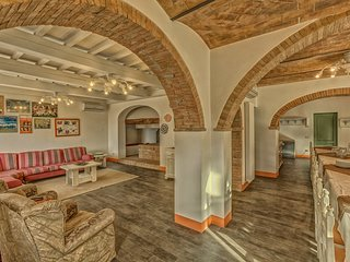 5 bedroom Apartment in Montaione, Tuscany, Italy : ref 5241093
