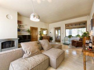 3 bedroom Villa in Montalcino, Tuscany, Italy : ref 5240911