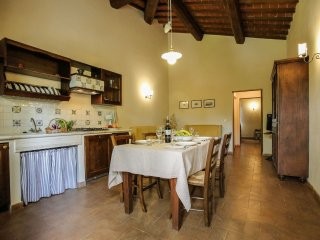 2 bedroom Villa in Bettolle, Tuscany, Italy : ref 5241042