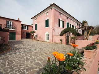 4 bedroom Apartment in Corsanico-Bargecchia, Tuscany, Italy : ref 5240521