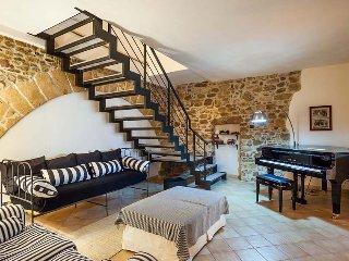 8 bedroom Villa in Buseto Palizzolo, Sicily, Italy : ref 5240612