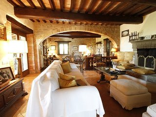 5 bedroom Villa in Todi, Umbria, Italy : ref 5240391