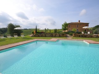 5 bedroom Villa in Montefollonico, Tuscany, Italy : ref 5240134