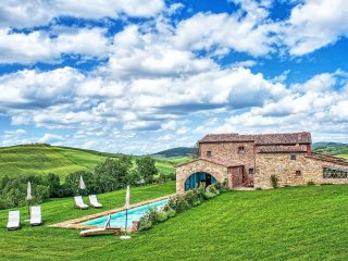 8 bedroom Villa in Pienza, Tuscany, Italy : ref 5240127