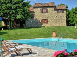 4 bedroom Villa in Monterchi, Tuscany, Italy : ref 5240117