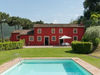 4 bedroom Villa in Lucca, Tuscany, Italy : ref 5240022
