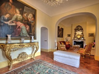 7 bedroom Chateau in Cetona, Tuscany, Italy : ref 5240046