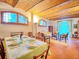 5 bedroom Apartment in Montelupo Fiorentino, Tuscany, Italy : ref 5239979