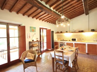1 bedroom Apartment in Quercegrossa, Tuscany, Italy : ref 5240121