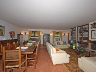 2 bedroom Apartment in Chiesanuova, Tuscany, Italy : ref 5239456