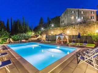 6 bedroom Villa in Monterchi, Tuscany, Italy : ref 5239211