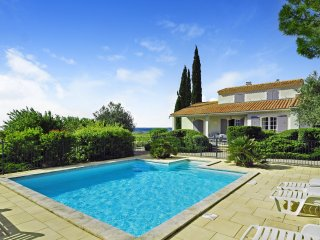 4 bedroom Villa in Gigondas, Provence-Alpes-Cote d'Azur, France : ref 5238513