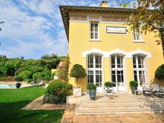 4 bedroom Villa in La Croix-Valmer, Provence-Alpes-Côte d'Azur, France : ref