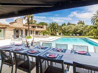6 bedroom Villa in La Bouillabaisse, Provence-Alpes-Cote d'Azur, France : ref