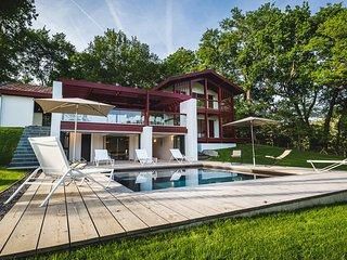 5 bedroom Villa in Biarritz, Nouvelle-Aquitaine, France : ref 5238482