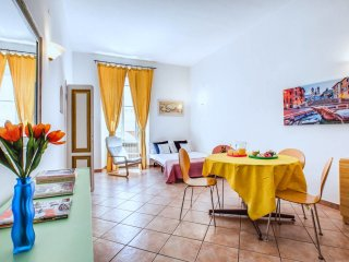 Colorful and spacious flat near Termini Station