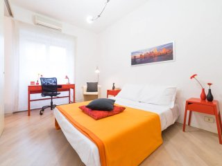 Large flat with garden and car parking