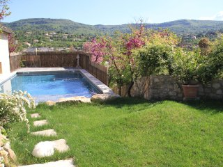 JDV Holidays - Gite St Gilbert, Apt, Luberon, Provence