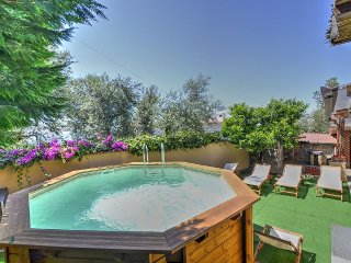 Sorrento Villa Sleeps 6 with Pool and Air Con - 5229134