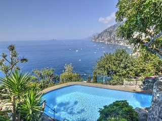 2 bedroom Villa in Arienzo, Campania, Italy : ref 5228423