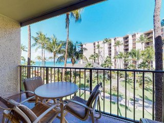 Beachfront getaway w/ resort pools, hot tubs, tennis & more!